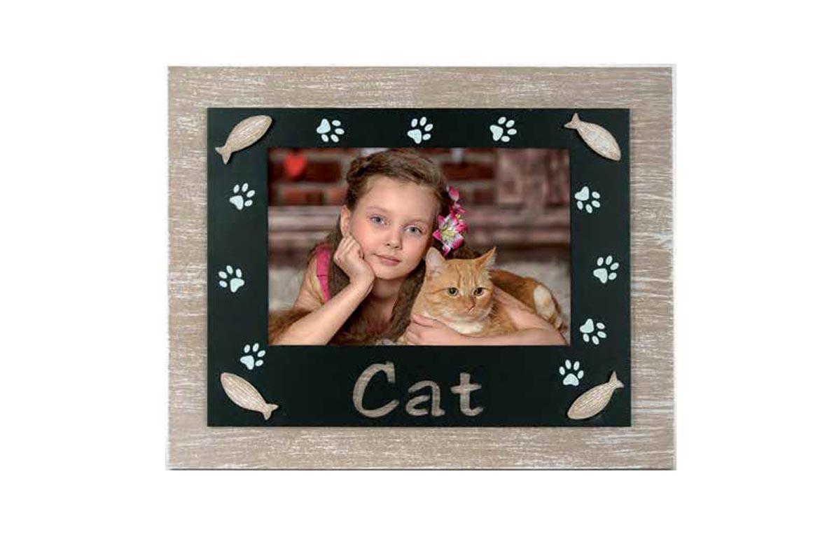 Ξύλινη κορνίζα Cat από το Print-Photos-Online.com